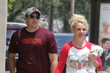 Britney Spears Britney Spears Carries Her Puppy in LA — Part 2