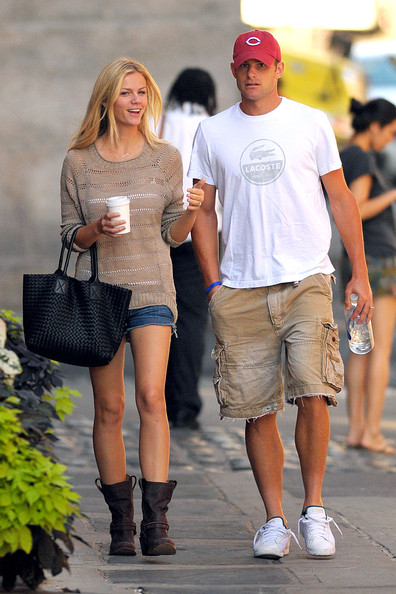 andy roddick and brooklyn decker kiss. andy roddick and rooklyn