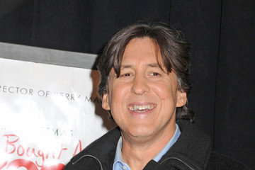 "Cameron Crowe Celebs at the Premiere of ""We Bought a Zoo"" 2"