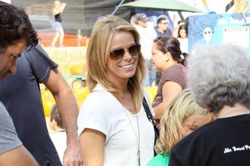 Cheryl Hines Catherine Rose Actress and star of 'Curb Your Enthusiasm' Cheryl Hines seen with her daughter Catherine Rose at the Mr Bones Pumpkin Patch in Hollywood