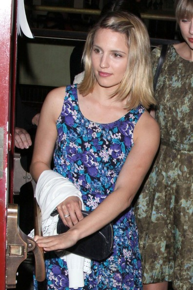 Country pop star Taylor Swift and 'Glee' actress Dianna Agron have a girly night out as they dine at Dominic's restaurant in Los Angeles.