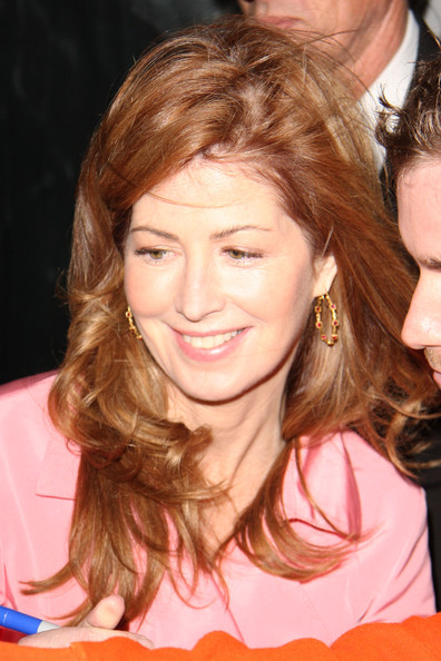 Dana Delany Dana Delany poses for photographs with fans after making an