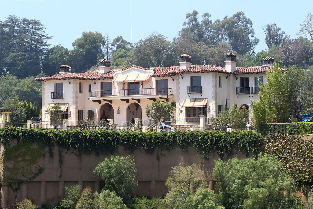 Dr Phil S Home In Beverly Hills Zimbio