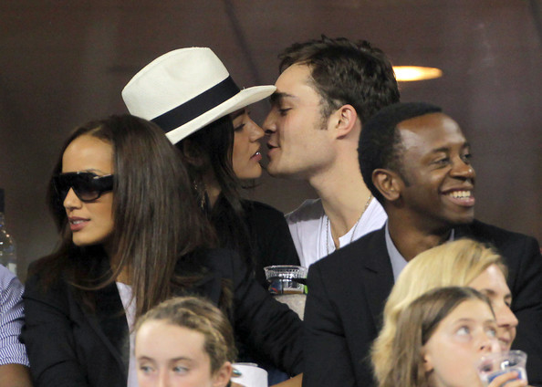 Gossip Girl Stars Hookup In Real Life