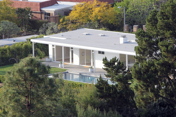 Elton John house in Trousdale Estates