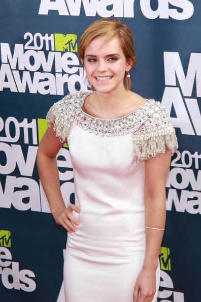 emma watson 2011 movie awards. mtv movie awards 2011