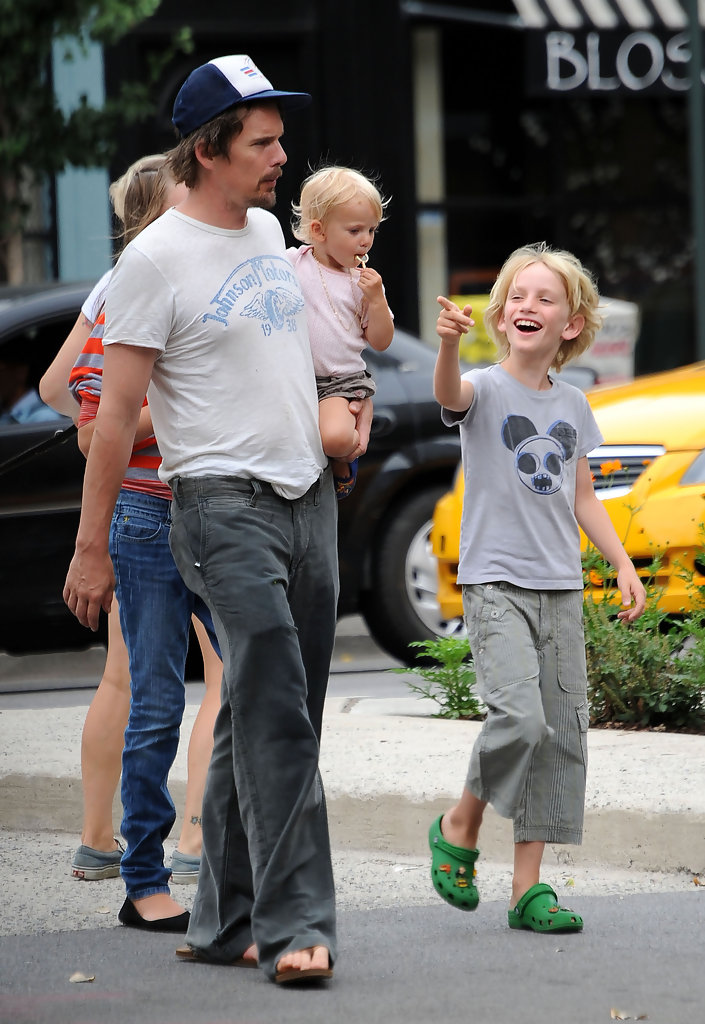 Ethan Hawke Photos Photos - Ethan Hawke Out with His Kids ...
