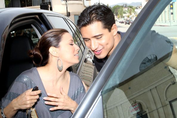 with-mario-lopez-dating-eva-longoria-anushka-more-application