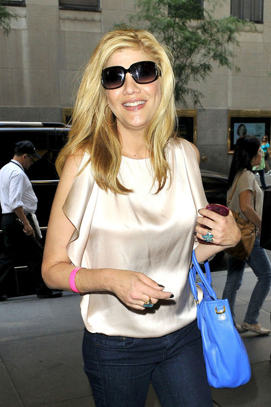Exes+star+Kristen+Johnston+smiles+arrives+NSDg2pAoGPul Kristen Johnston Arrives for the 'Jimmy Fallon' Show
