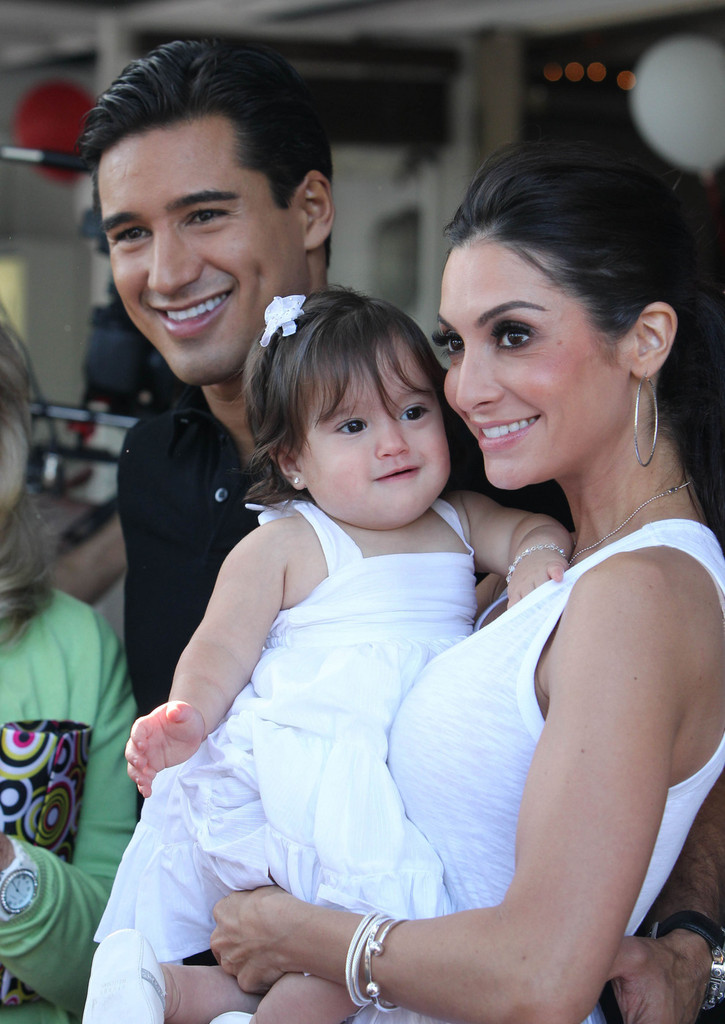 Mario Lopez Courtney Mazza Gia Francesca Lopez Courtney Mazza