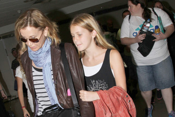 Felicity Huffman Felicity Huffman and Daughters at LAX