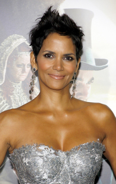Halle Berry - Tom Hanks seen arriving to the Hollywood premiere of new film 'Cloud Atlas' held at the Grauman's Chinese Theatre in Los Angeles