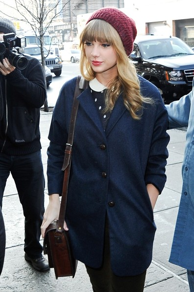 Stunning Taylor Swift Leaves Hotel After Late Night with ...