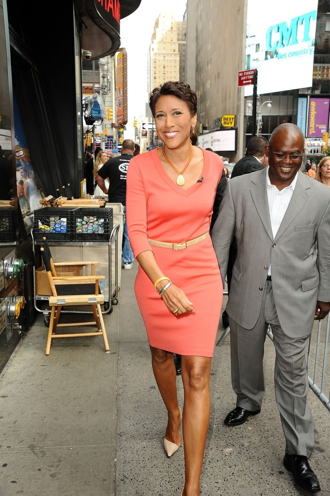Robin Roberts Photos Photos - Head anchor Robin Roberts ...
