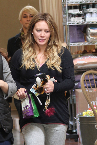 Hilary Duff Mom-to-be Hilary Duff heads out to a pet store after a work out session in Los Angeles. Duff, 24, sports oversized sunglasses as she has a fun day with friends.