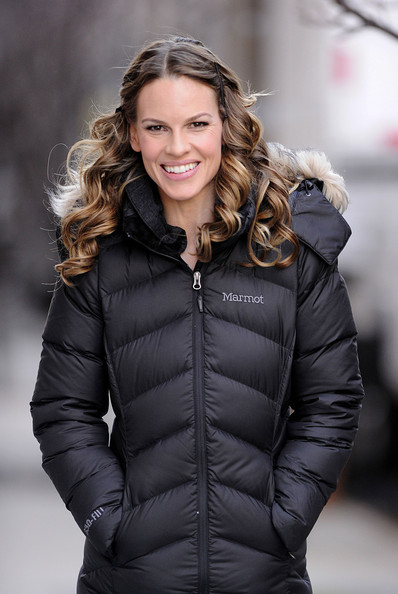 "Hilary Swank walks onto the set of ""New Year's Eve"" after getting her hair and makeup done on a chilly day in NYC."