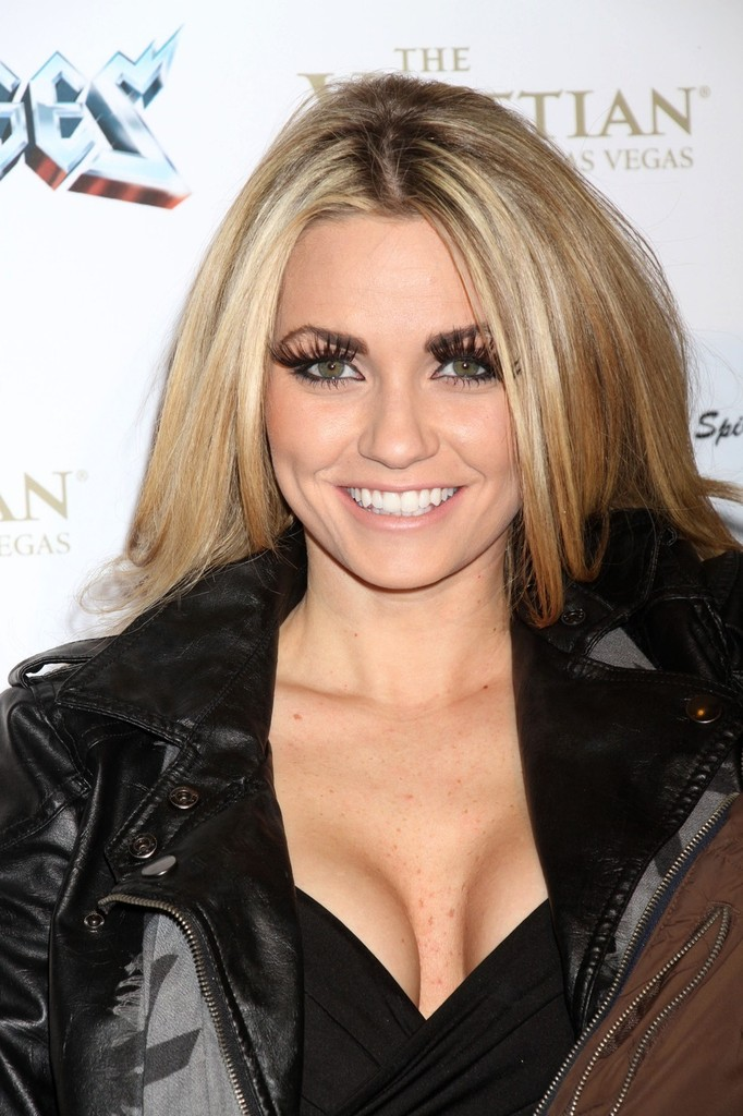 Angel Porrino Photos Photos - Celebs at the 'Rock of Ages ... Rock Of Ages Movie