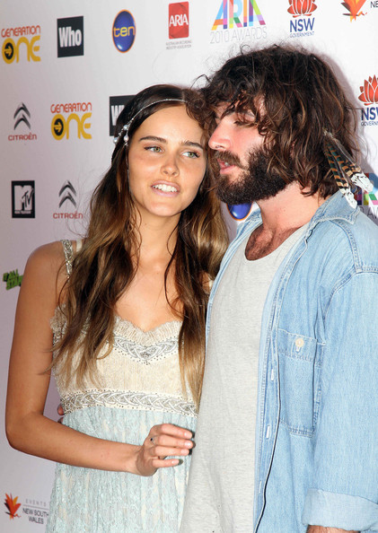 Isabel Lucas - Angus and Julia Stone at the Sydney Opera House for the 2010 ...