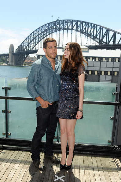 Jake Gyllenhaal Jake Gyllenhaal and Anne Hathaway, wearing a space inspired ...