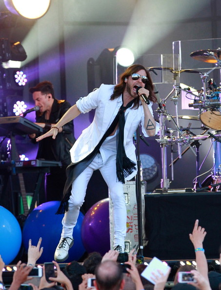 30 Seconds To Mars Perform In La Zimbio