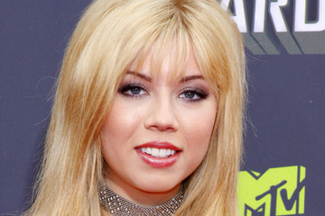 Jennette McCurdy Arrivals at the MTV Movie Awards 3