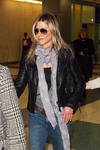 "Jennifer Aniston arrives at NYC after attending her film premiere for ""Ex"