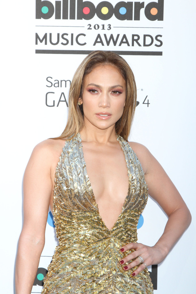 Jennifer Lopez - Arrivals at the Billboard Music Awards