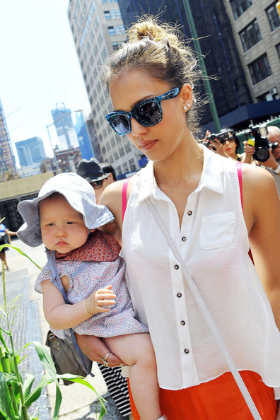 Jessica Alba Actress Jessica Alba takes her daughters Haven and Honor Warren out for a walk in New York City to take in the sights with their famous mom.