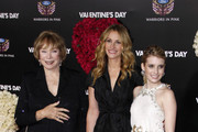 """Shirley McLaine, Julia Roberts and Emma Roberts at the Los Angeles premiere of """"Valentine's Day"""" held at the Grauman's Chinese Theater, Hollywood."""