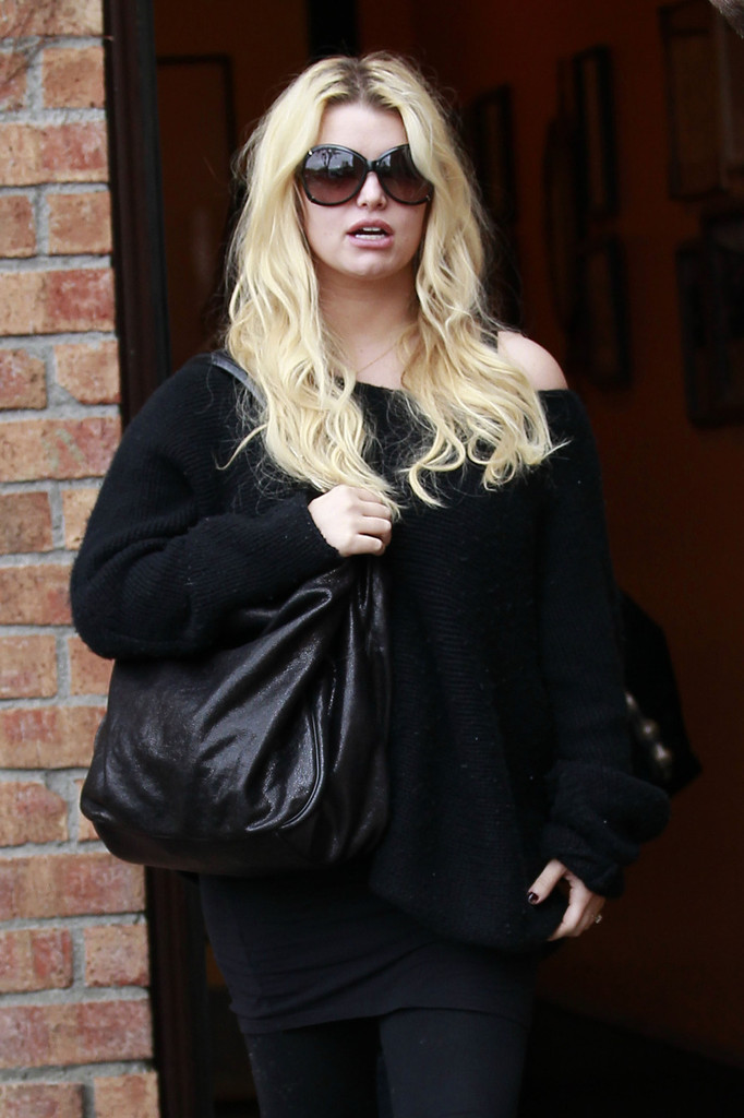 Jessica Simpson in Jessica Simpson in Baggy Clothes Zimbio