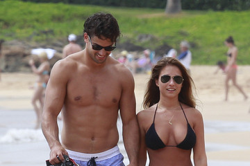 Jessie James Newlyweds Jessie James and husband Eric Decker go hand-in-hand while on their honeymoon in Maui