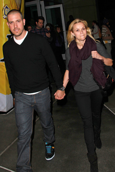 http://www2.pictures.zimbio.com/pc/Jim+Toth+Celebs+Leave+Lakers+Game+n5Ym1H9GZy9l.jpg