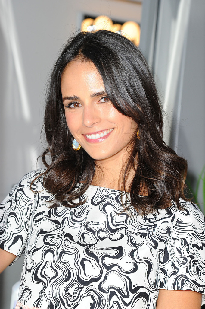 Jordana Brewster's Must-Have Mascara, What's In Her Car, and More!