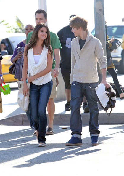 justin bieber selena gomez beach. Pretty masterful gomez are not