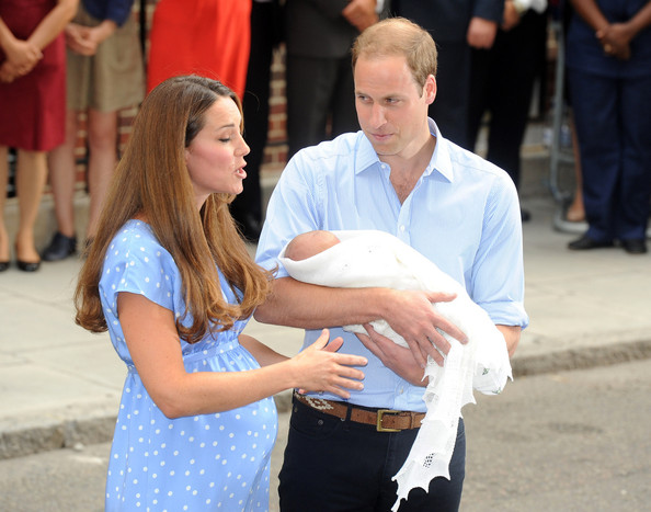The newborn prince of cambridge leaves the hospital part 2