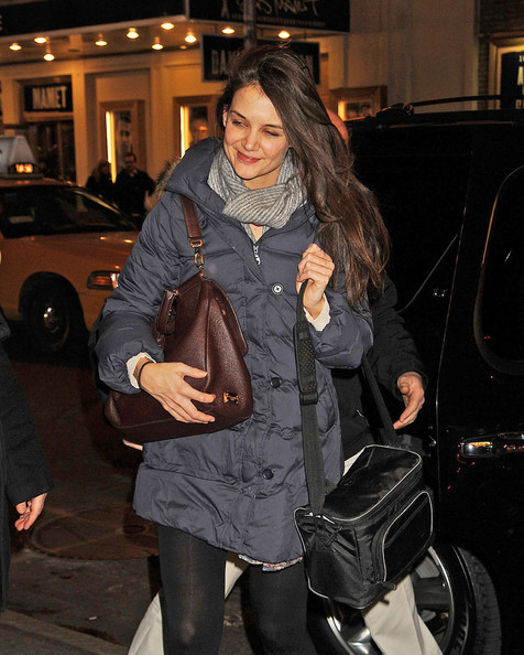 Katie Holmes - Actress Katie Holmes seen flashing a smile while arriving to the Broadway show 'Dead Accounts' at the Music Box Theatre in New York