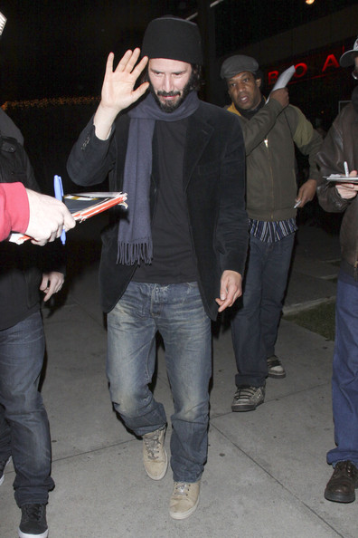 Keanu Reeves Keanu Reeves shields his face outside BOA restaurant in Los Angeles.