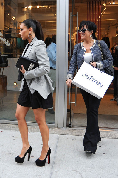 New Pictures Of Kim Kardashian Shopping In Nyc News And Pics