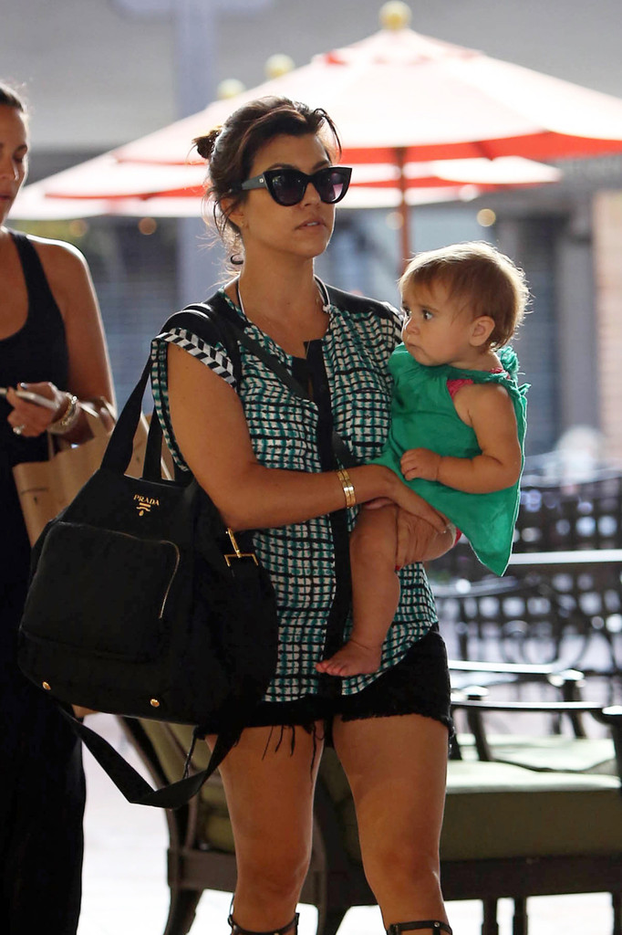 Kourtney kardashian and family do lunch 9 of 39 zimbio for What does kourtney kardashian do
