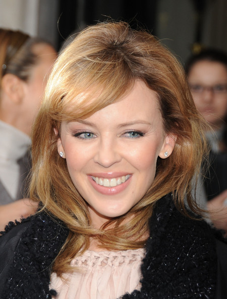 http://www2.pictures.zimbio.com/pc/Kylie+Minogue+Kylie+Minogue+Greets+Fans+Paris+LRlhf5h6-qYl.jpg