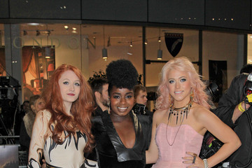 Janet Devlin Celebs at the 'Breaking Dawn' Premiere