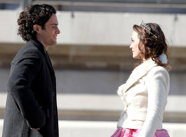 "Leighton Meester - Leighton Meester films a scene with co-star Penn Badgley for ""GoGirl&quot"" in Nek Citk City"
