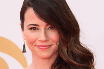 Linda Cardellini Arrivals at the 65th Annual Primetime Emmy Awards — Part 3