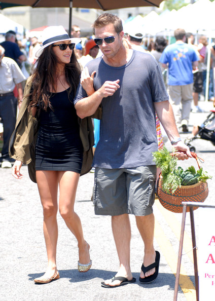 Maggie Q Maggie Q and her new boyfriend enjoy a day out shopping at the Los