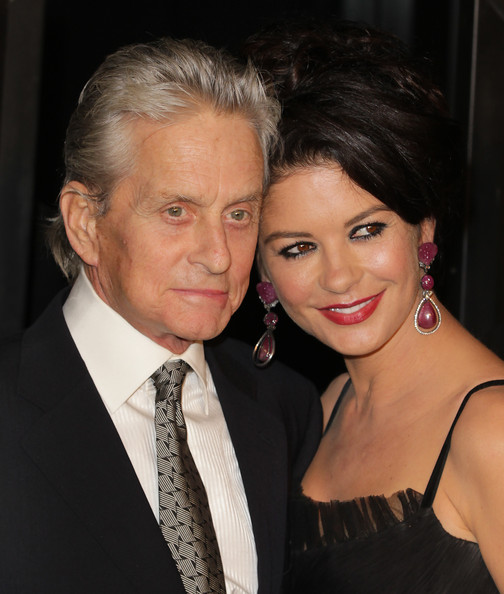 http://www2.pictures.zimbio.com/pc/Michael+Douglas+Catherine+Zeta+Jones+attend+ckTcMweY01pl.jpg?45210PCN_WallStreet01