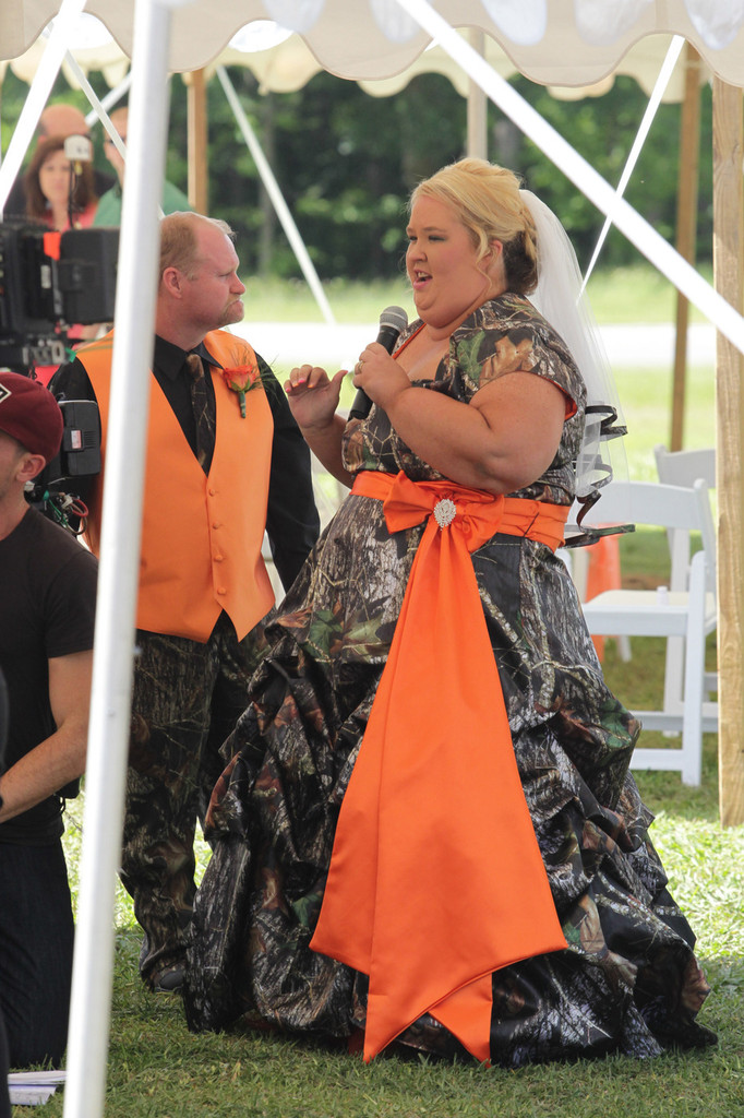 Mike Thompson June Shannon Mama Wedding Xw8vorxu7oax Jpg 682 1024 This Is Here Comes Honey Boo S Mom And Dad Pinterest