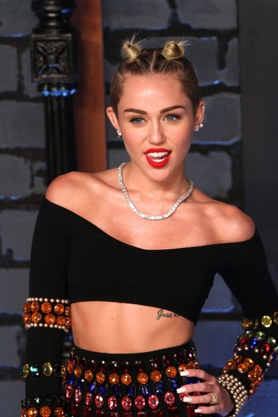 Miley Cyrus - Arrivals at the MTV Video Music Awards