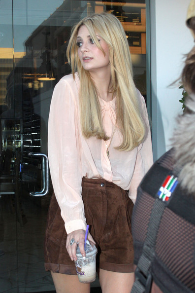 Mischa Barton holds onto a drink from Coffee Bean as she strolls up and down Robertson Blvd. followed by a camera crew. Mischa's rep has denied reports that she is moving back to her native London despite starting a relationship with British DJ Ali Love.