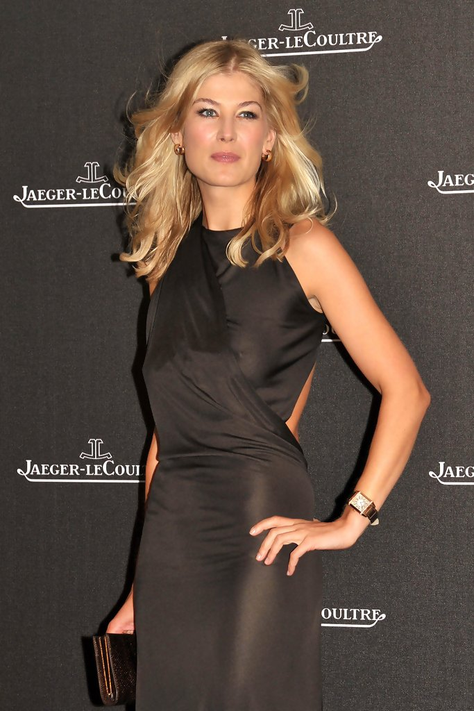 Rosamund Pike Photos Photos Celebrities At The Jaeger Le