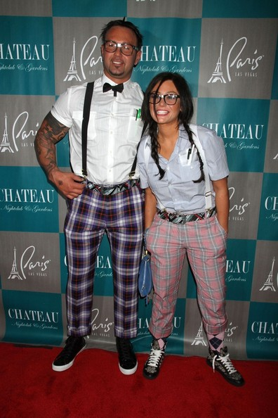 Roger and Jwoww as a cute nerdy couple...love them!  sc 1 st  The Virginian-Pilot & Celebrities in their Stylish Halloween Costumes | Blog | Fashion ...